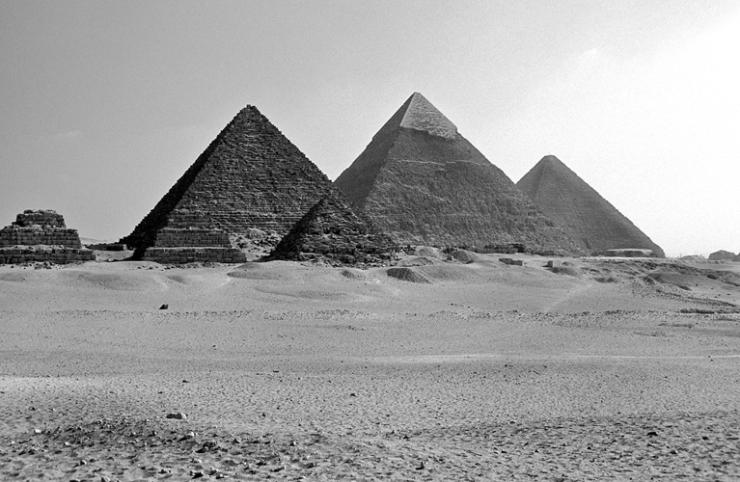 41_Pyramids_Giza-Egypt
